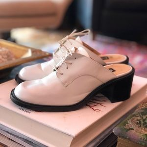 Kenneth Cole white leather combat clogs shoes 8